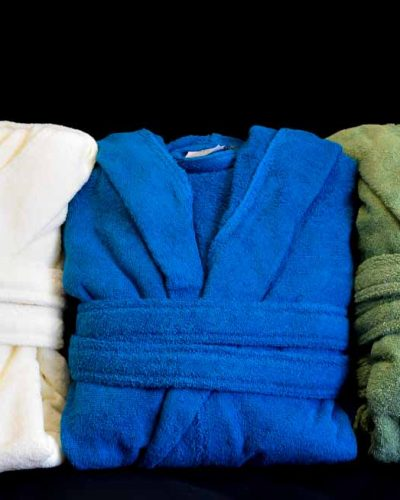 Mπουρνούζι Βαμβακερόδιαθέσιμο σε ποικιλία χρωμάτων