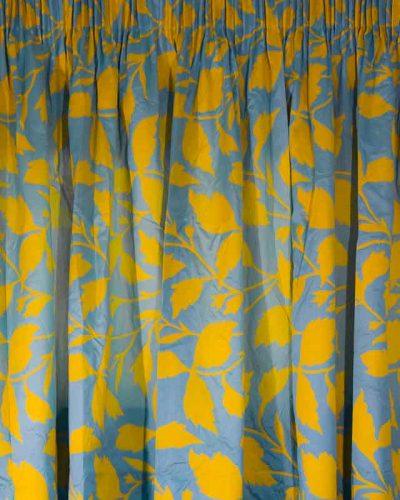 Κουρτίνα Ταφτάς γαλάζια με λουλούδια